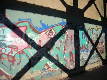 graffitti-girder-shaddow-746-large.JPG
