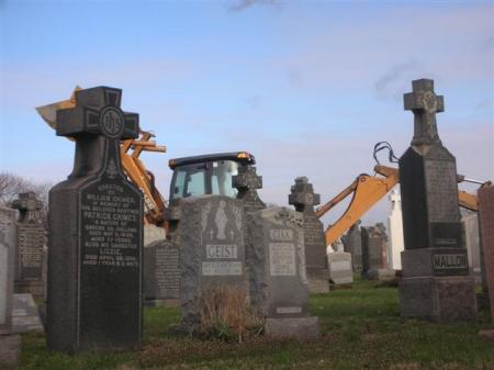 graveyard-tractor-3275-small.jpg