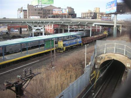 train-tunnel-3130-small.jpg