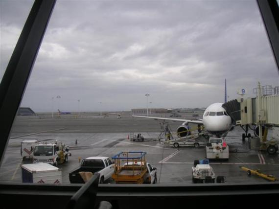 oakland-airport-2-small.jpg