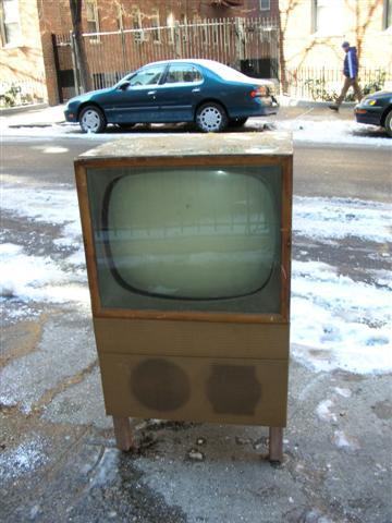 old-tv-705-small.jpg
